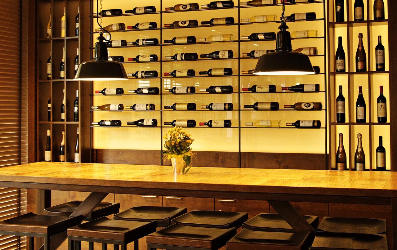 Ouvrir un bar à vin : les conseils à suivre